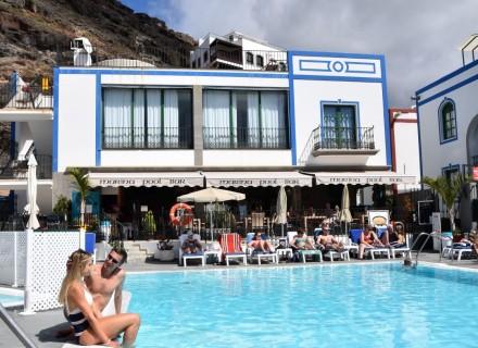 Marina pool bar puerto mogan gallery marina pool bar puerto mogan - Marina apartments puerto de mogan ...